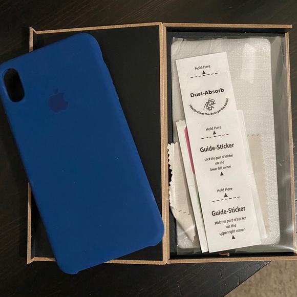 Genuine Apple IPhone 7 Plus 8 Plus Case like new